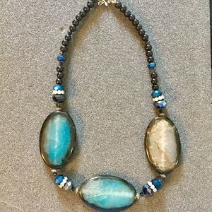 Jewelry - STUNNING natural stone statement necklace